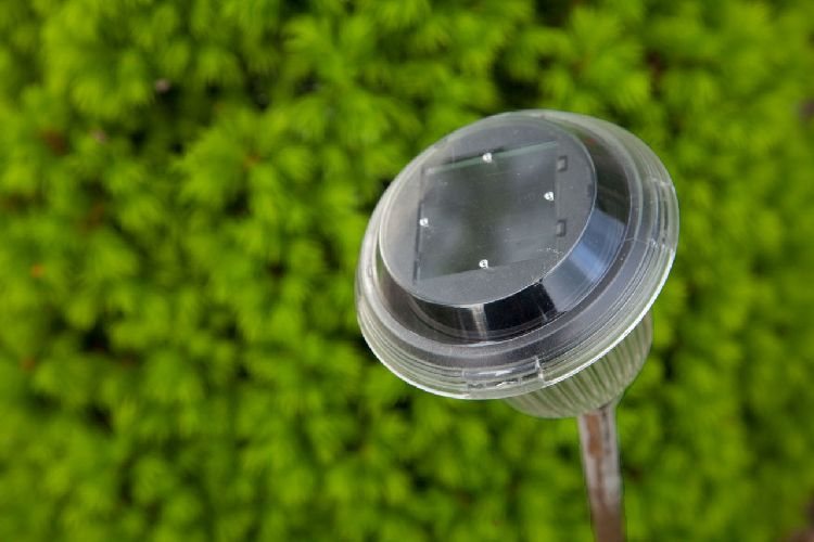 How to Charge Solar Lights in Winter